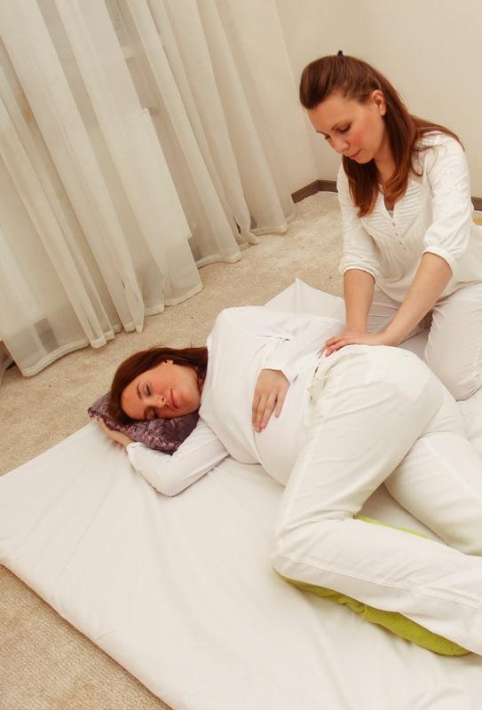 Массаж для беременных и мам